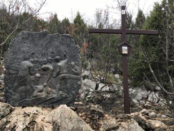 Via Crucis Medjugorje: Jesús cae por tercera vez