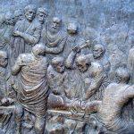 Via Crucis Medjugorje: jesús es clavado en la cruz