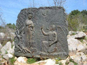 La Anunciacion de Gabriel a la Virgen - Rosario Medjugorje
