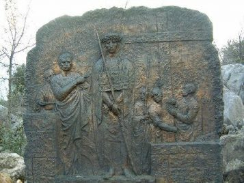 Con la cruz a cuestas camino del calvario Rosario Medjugorje